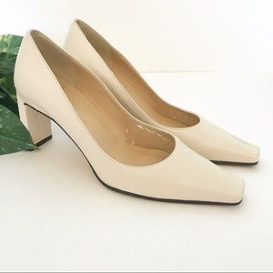 """Anne Klein • Square Toe White 2"""" Heels Leather 6.5"""